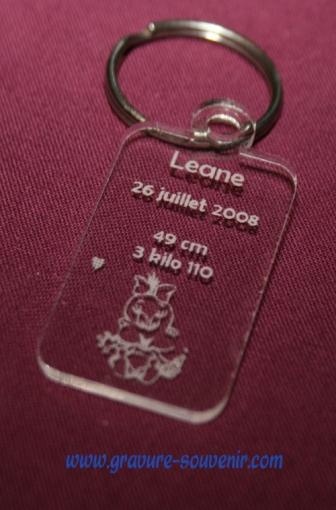 porte clé naissance en plexiglas - gravé avec les informations du nouveau né