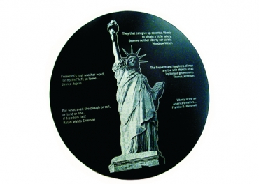 photo gravée sur granit noir rond diamètre 15.2cm