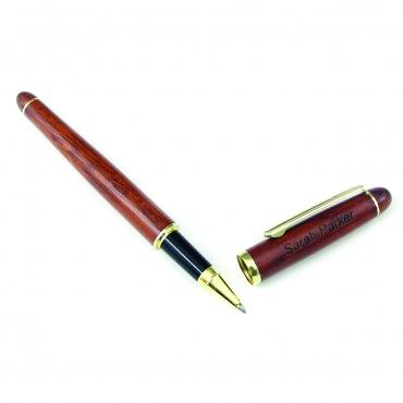 stylo roller en bois de rose gravé et personnalisé