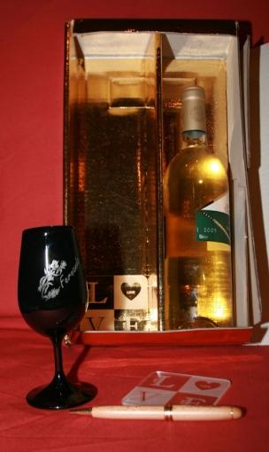verre a vin gravé Inao noirgravé et personnalisé pour cadeau de fin d'année