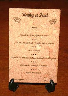 menu de mariage gravé et personnalisé sur du liège