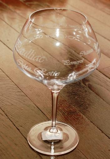 Verre a vin de dégustation gravé et personnalisé pour mariage