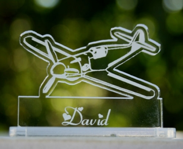 marque place gravé et personnalisé  : avion de chasse 2